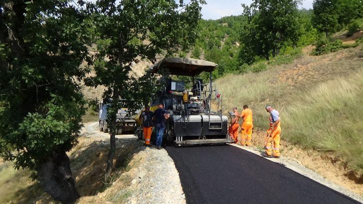 Асфалтирањето на пристапни патишта во село Моштица е во завршна фаза