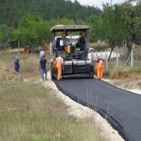 Се асфалтираат повеќе пристапни патишта во село Луковица
