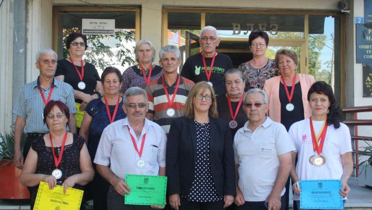 Средба со претставници од Здружение на пензионери во кабинетот на градоначалничката Соња Стаменкова