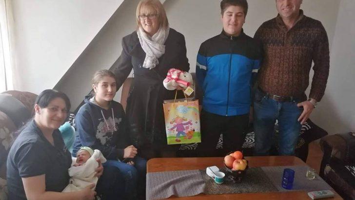 Посета на првите новороденчиња во 2019 година