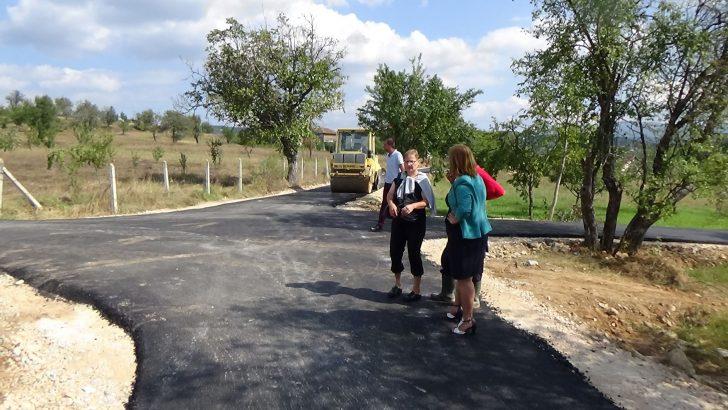 Распишан тендер за асфалтирање на локалниот пат до маало Бошнаци, Врбаци и Пашите во село Косевица