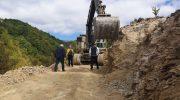 Започнаа градежните работи за асфалтирање на локалниот пат до Врбачко маало во село Косевица