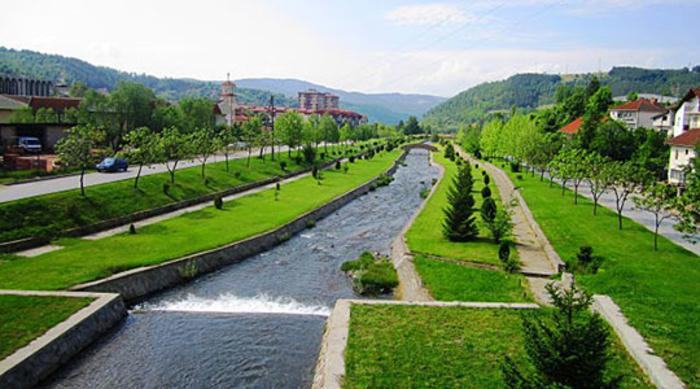 Распишан тендер за реконструкција на електричното осветлување на кејот на Каменичка Река